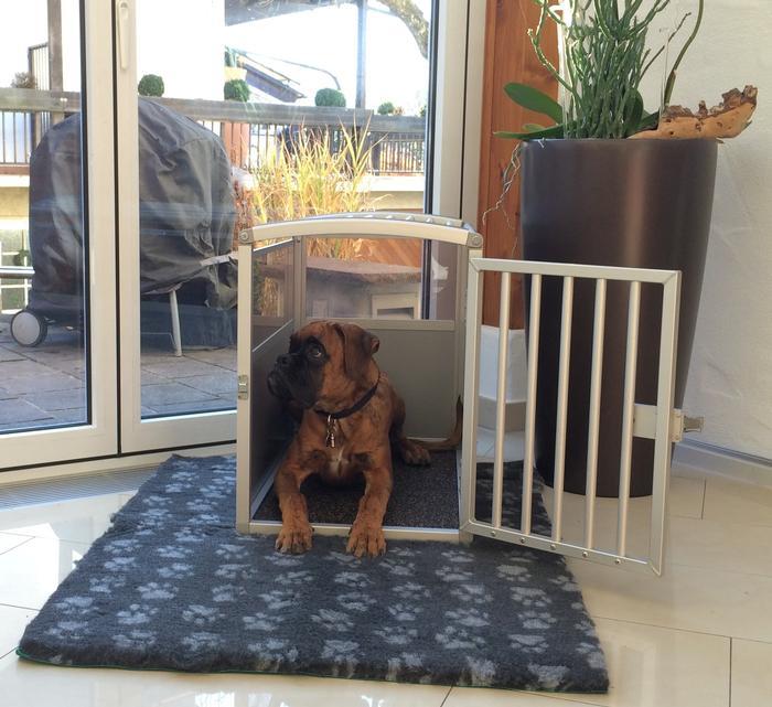 schmidt fahrzeugbau gmbh produkt bersicht hundeboxen hundeanh nger hundesportartikel. Black Bedroom Furniture Sets. Home Design Ideas